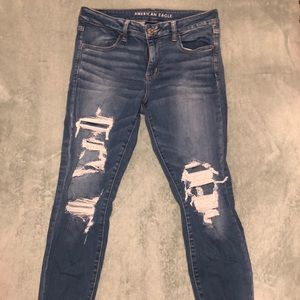 American Eagle Stretchy Distressed Jegging